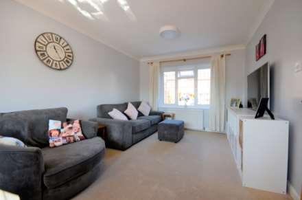 Dovedale Close, Ramsden Heath, Image 2