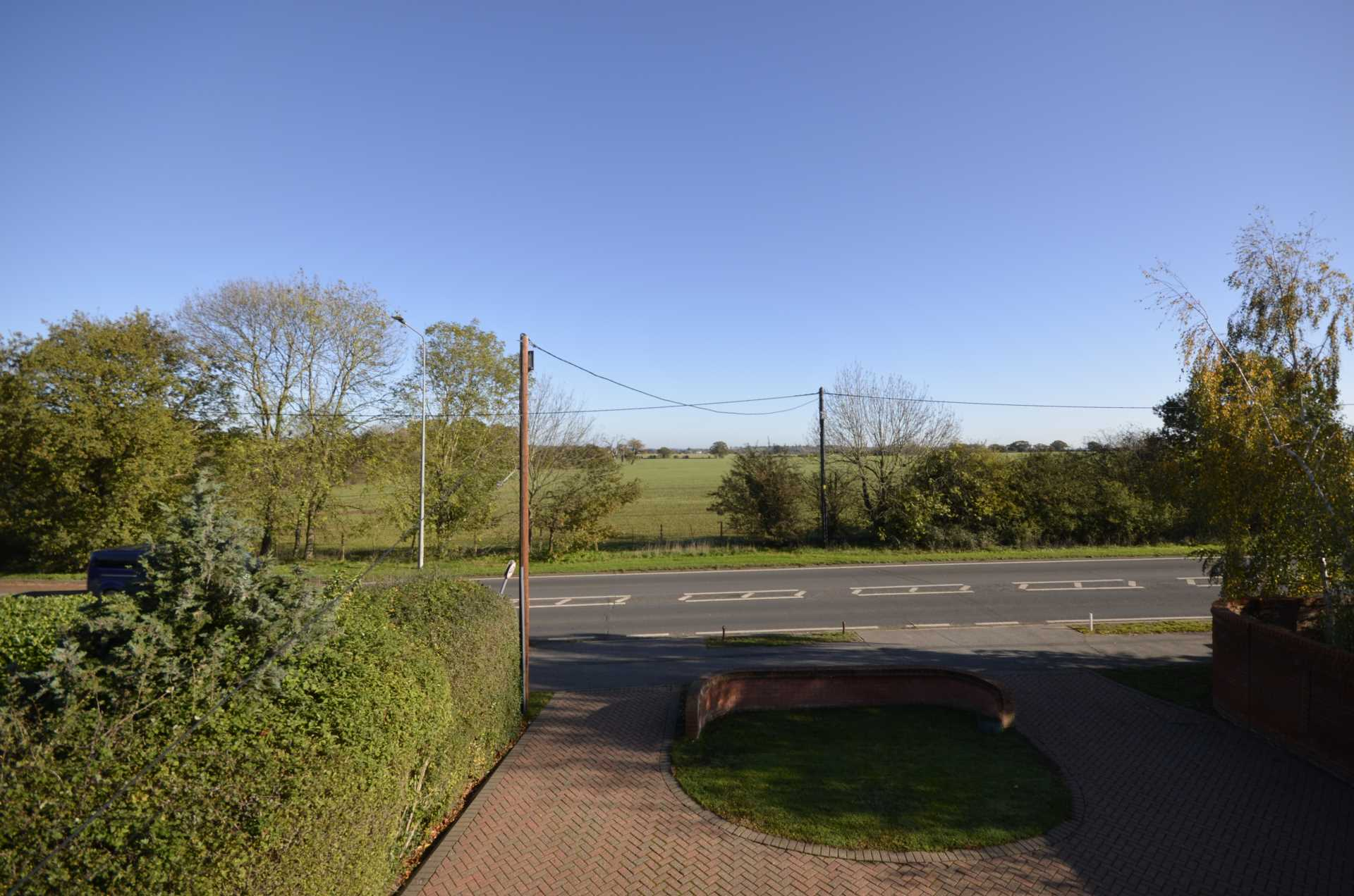 Noak Hill Road, Laindon, Image 21