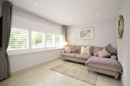 Outwood Common Road, Billericay, Image 12