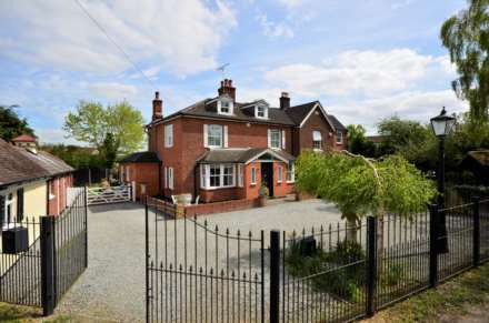Property For Sale Outwood Common Road, Billericay