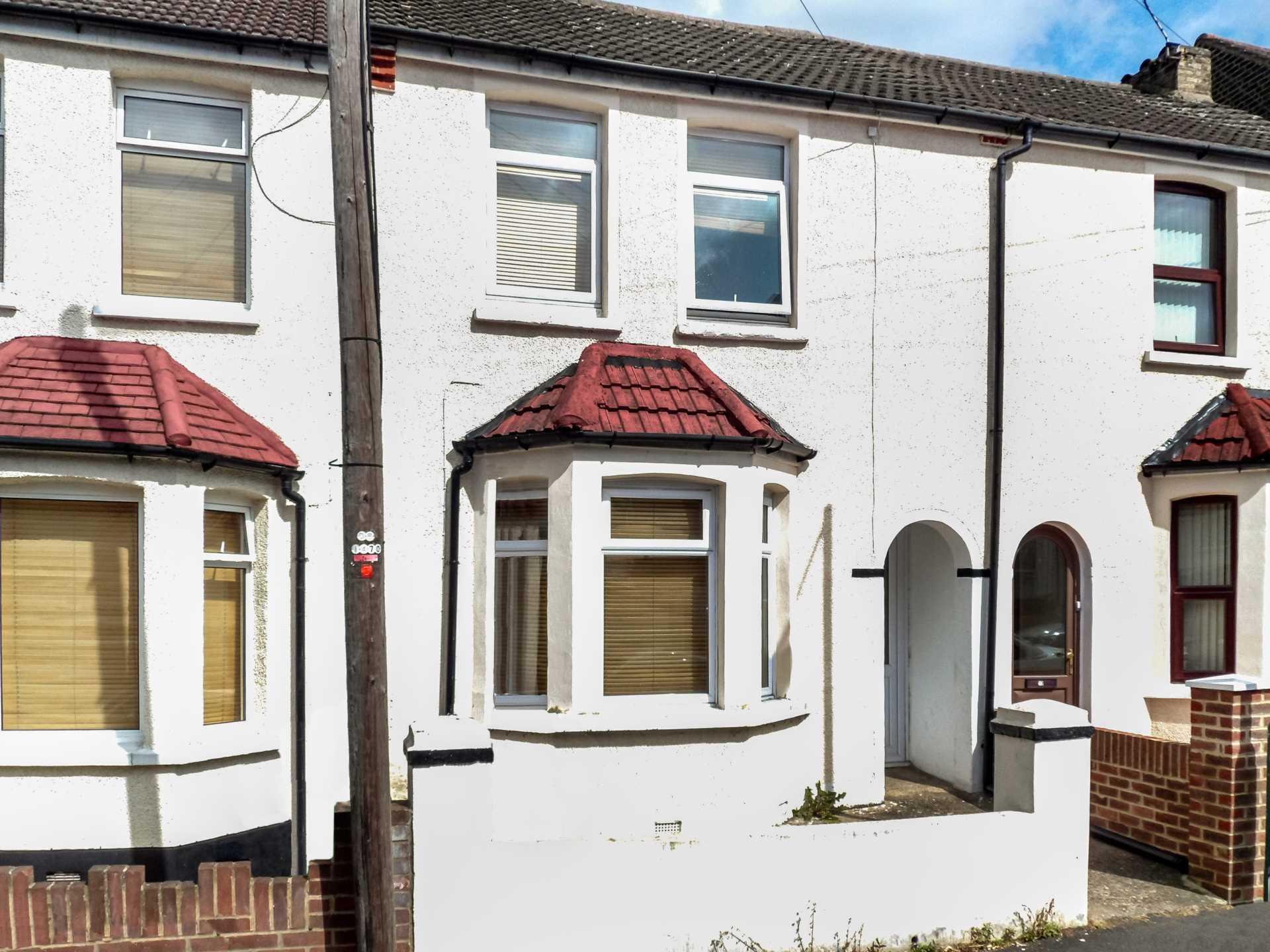 Property King Estate Agents - 3 Bedroom Terrace, Shenley Road, Dartford