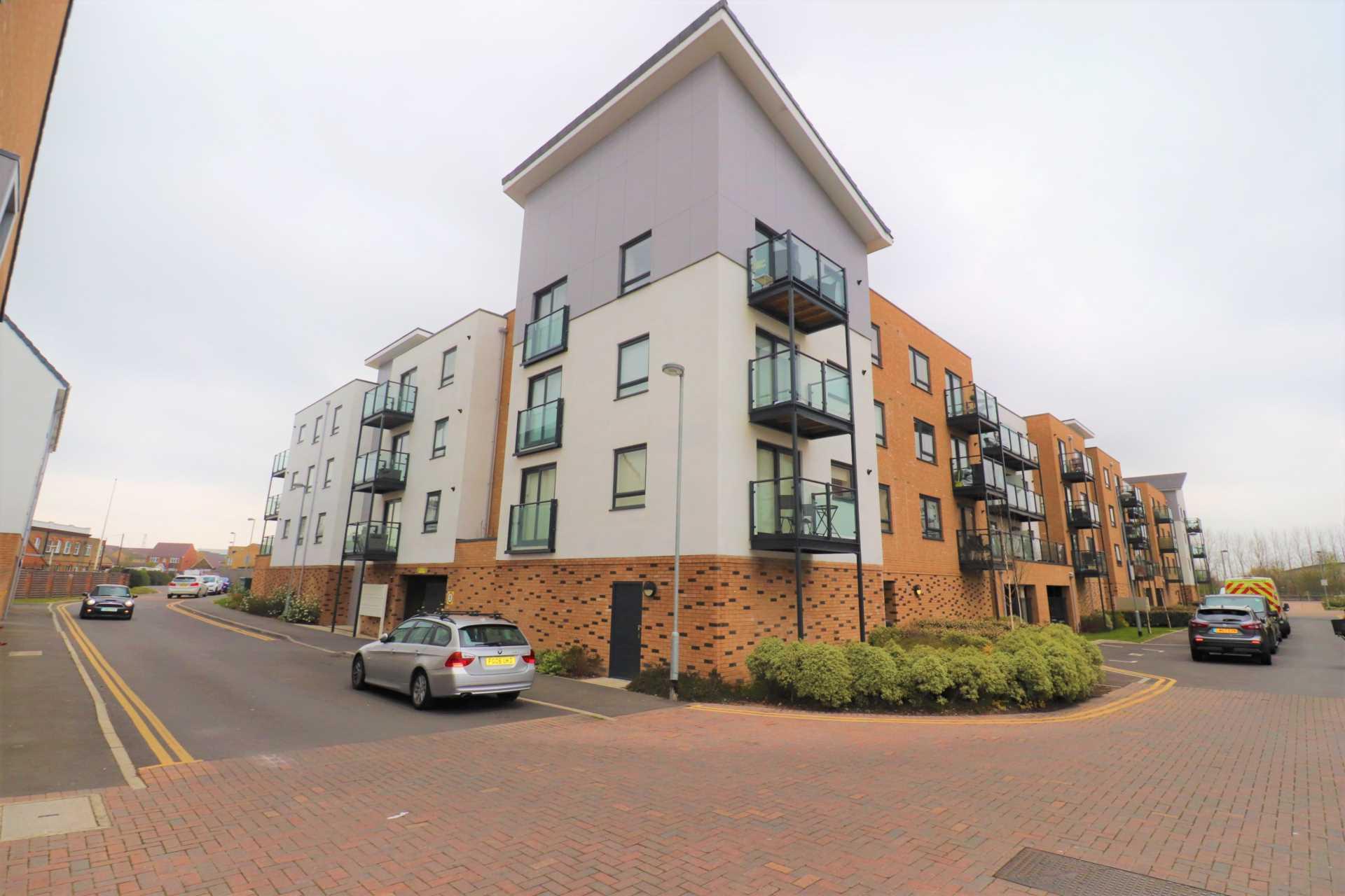 Property King Estate Agents - 2 Bedroom Apartment, Creek Mill Way, Dartford