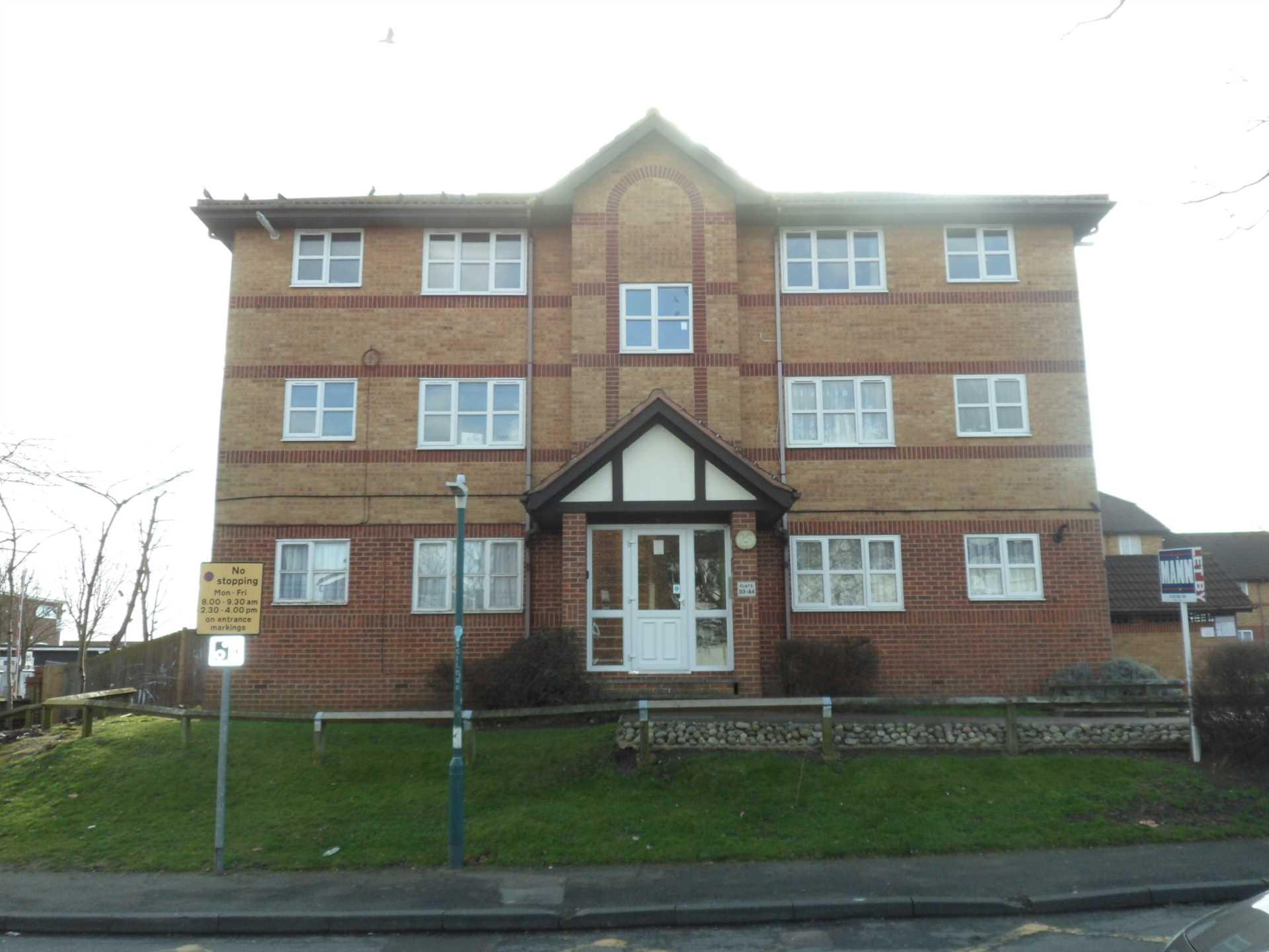 Property King Estate Agents - 1 Bedroom Studio, St Edmunds Road, Dartford