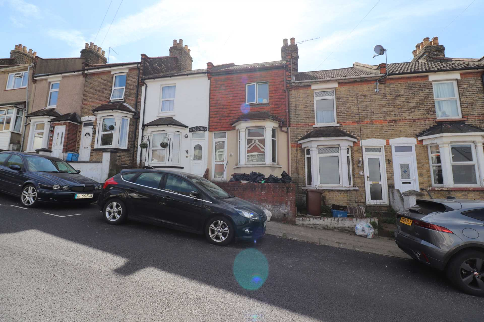 Property King Estate Agents - 3 Bedroom Terrace, Onslow Road, Rochester