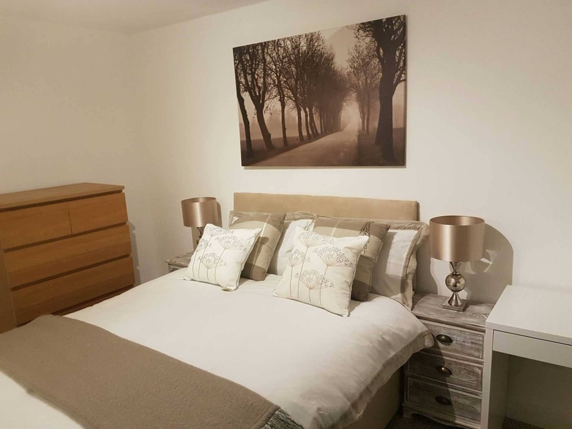 Double bedroom for let on Ringmer Way, Bromley, Image 2