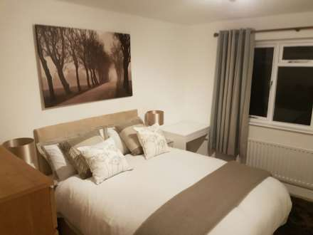 Double bedroom for let on Ringmer Way, Bromley