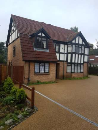 Double bedroom for let on Ringmer Way, Bromley, Image 4