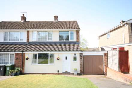 3 Bedroom Semi-Detached, Leverstock Green