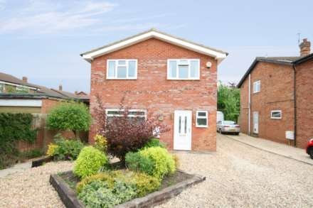 4 Bedroom Detached, Pitstone