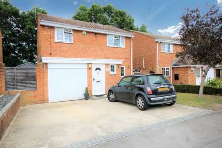 Property For Rent Hardy Avenue, Yateley
