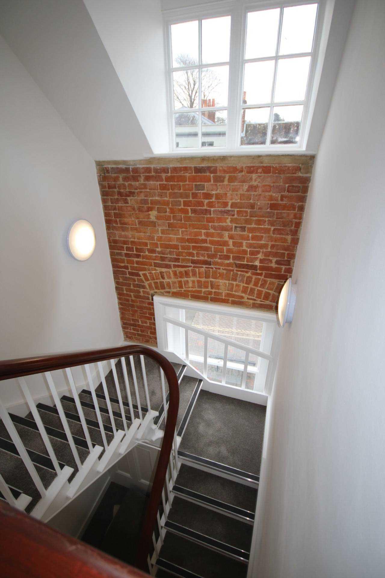High Street, Alton, Image 9