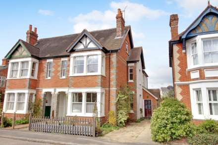 5 Bedroom Semi-Detached, Belle Ave, Reading