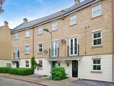 4 Bedroom Town House, Allington Circle, Kingsmead