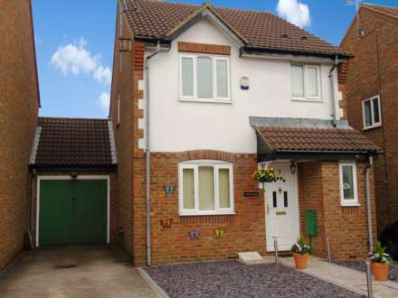 3 Bedroom Link-Detached, Prentice Grove, Shenley Brook End