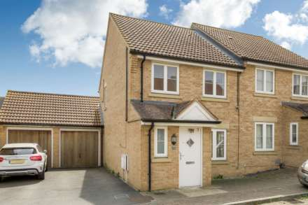 3 Bedroom Semi-Detached, Cagney Cr, Oxley Park