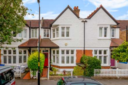 4 Bedroom Terrace, Pickwick Road Dulwich Village SE21 7JN