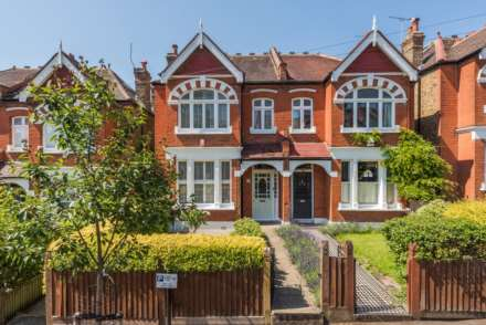 4 Bedroom Semi-Detached, Ruskin Walk Herne Hill SE24 9LZ