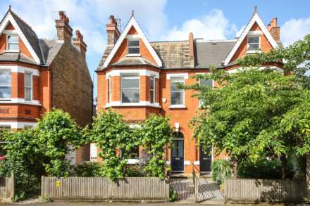5 Bedroom Semi-Detached, Winterbrook Road Herne Hill SE24 9HZ