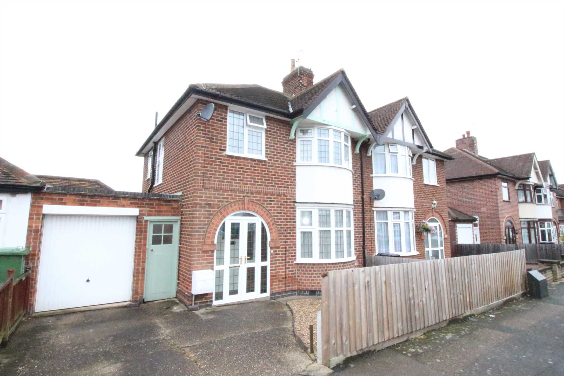 Offers Offers Offers in Humberstone LE5 !!
