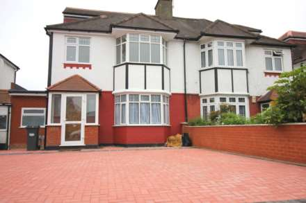5 Bedroom Semi-Detached, Popes Lane, Ealing