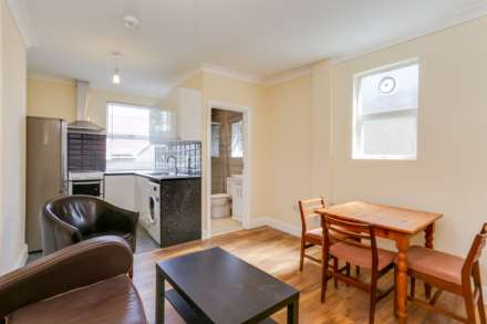 1 Bedroom Flat, Northfield Avenue, Ealing