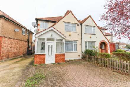 Property For Rent Dorset Waye, Heston, Hounslow