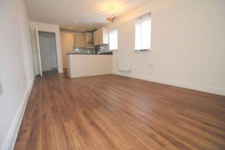 2 Bedroom Apartment, Chadwick Road, Langley