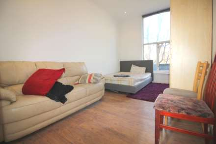 1 Bedroom Flat, The Vale, Acton