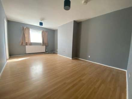 Property For Rent Hazelmere Drive, Ealing, Northolt