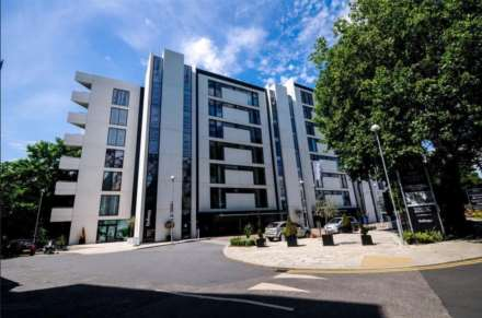 2 Bedroom Apartment, Colonial Drive, Chiswick