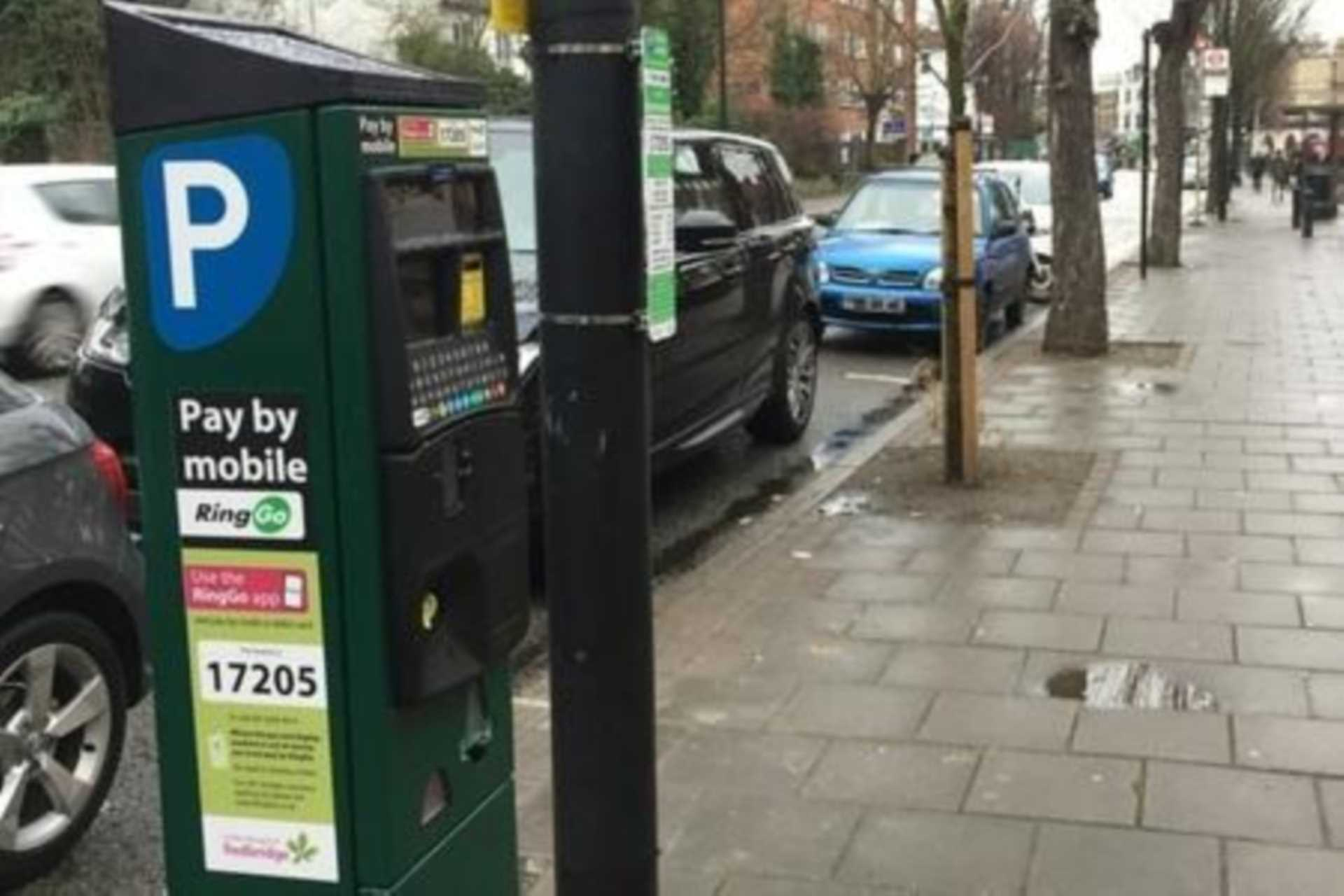 Reading Borough Council wants to introduce new pay and display parking bays in Oxford Road and Wokingham Road