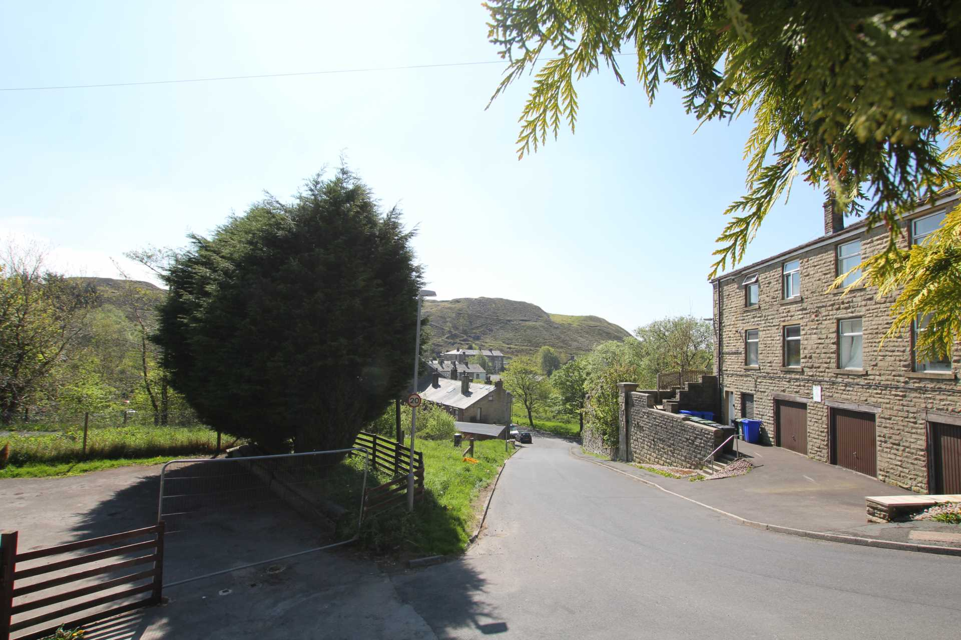 East View, Rochdale, Image 9