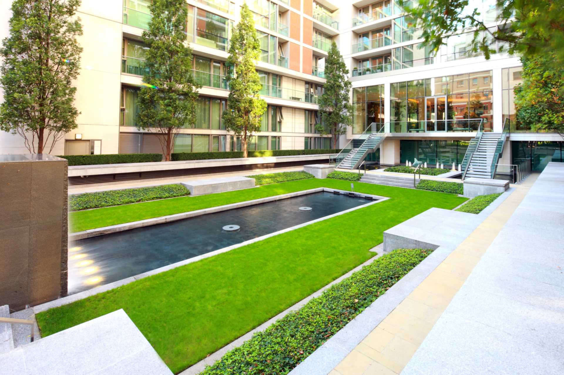 Garden Flat, The Knightsbridge, Image 12