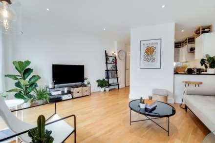 2 Bedroom Flat, Dragmore Street, Clapham Park