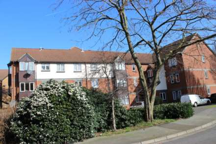 Property For Sale Swaythling Close, Edmonton, London