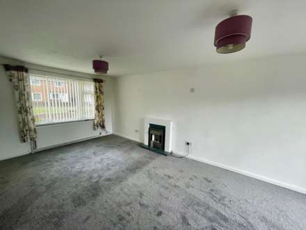 Warminster Close, Corby, Image 2