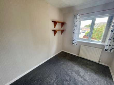 Warminster Close, Corby, Image 9