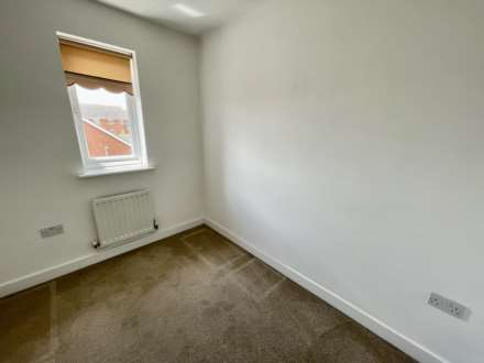 Violet Close, Corby, Image 17
