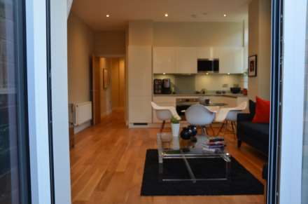 Flat, Perivale/Greenford