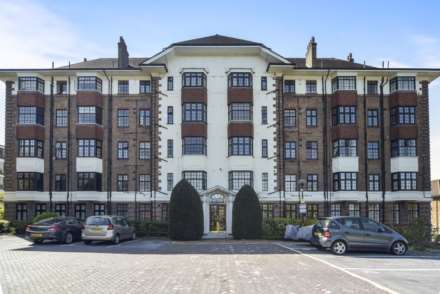 Property For Sale Hanger Lane, London