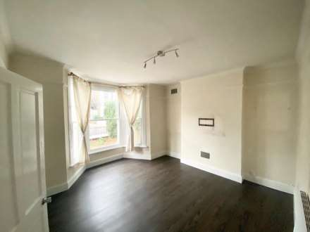 Property For Rent Wellesley Road, Chiswick, London