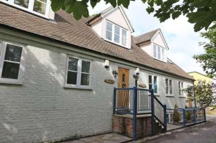 1 Bedroom Apartment, Carmel Terrace, Mongewell