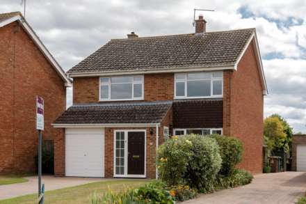 4 Bedroom Detached, Greenfield Crescent, Wallingford