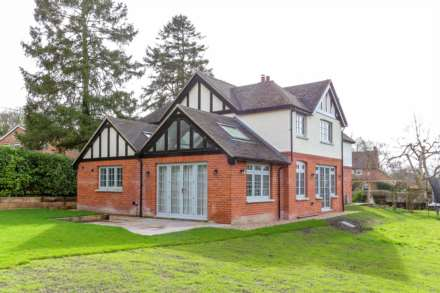 4 Bedroom Detached, High Road, Brightwell-Cum-Sotwell