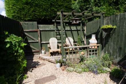 Larchfield Close, Frome, Image 10