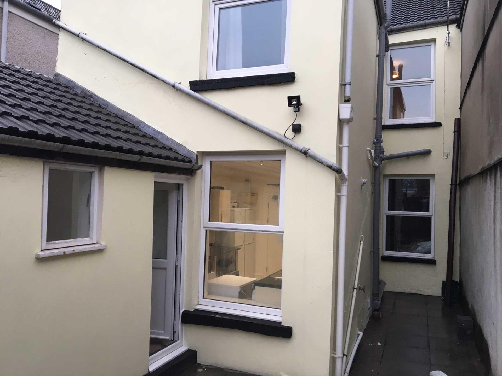 Room      Page Street, Swansea, Image 8