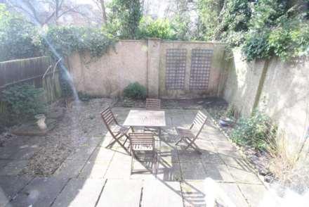 Cavalier Court, Berkhamsted, Image 6