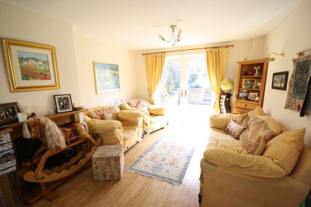 Thorntree Drive, Tring, Image 2