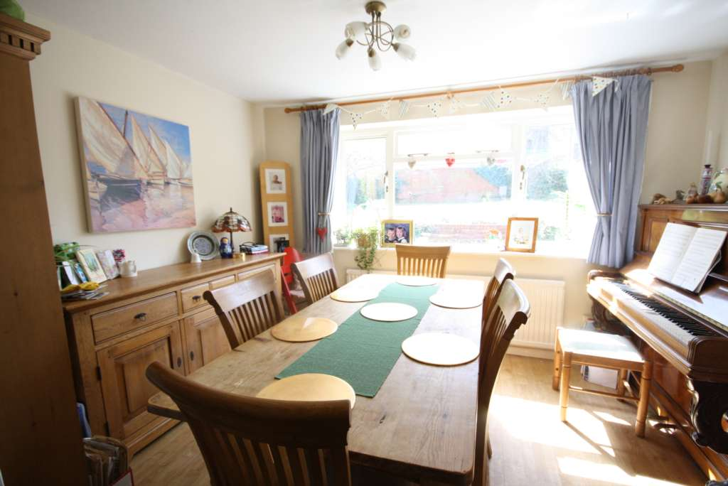 Thorntree Drive, Tring, Image 3