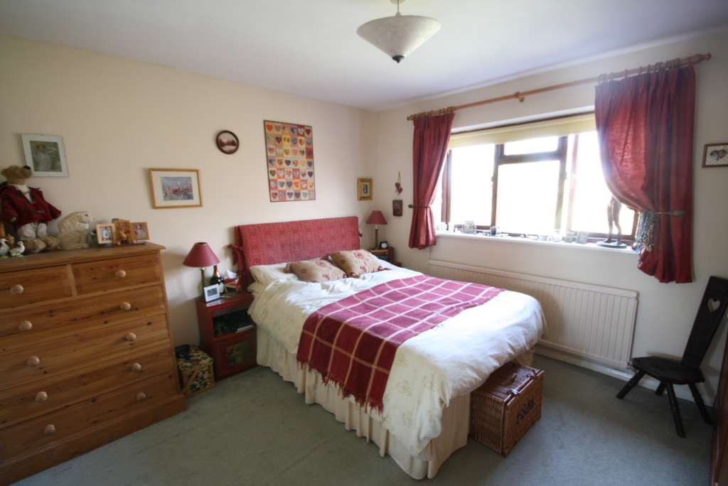 Thorntree Drive, Tring, Image 5